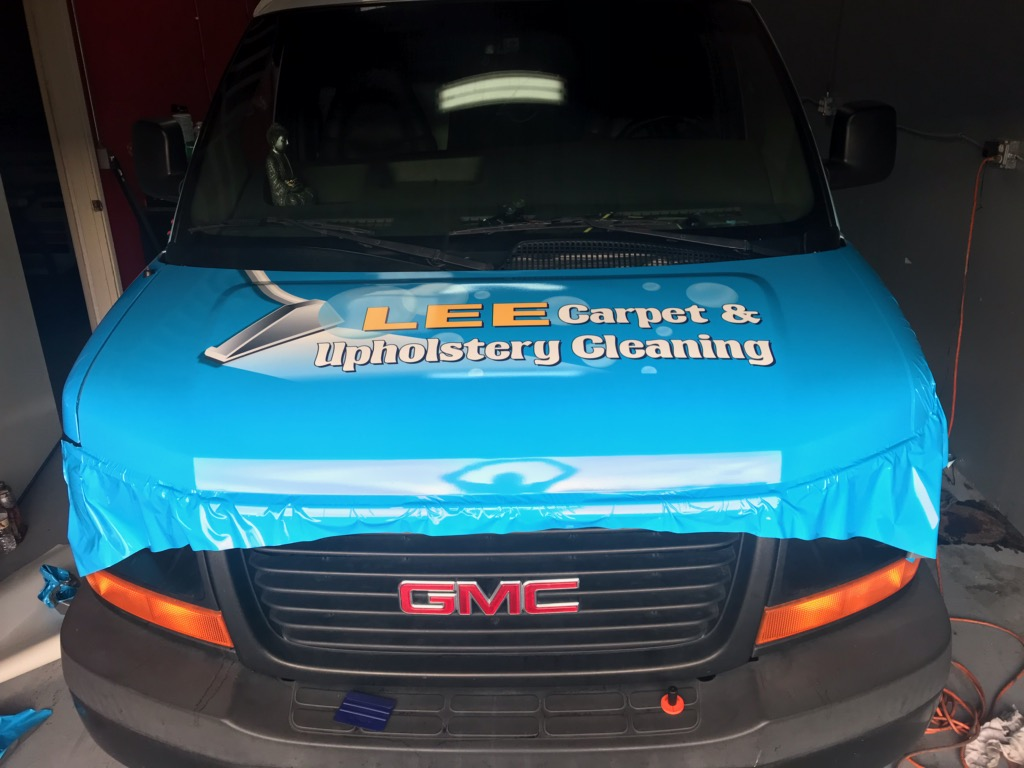 Advertising on Vehicle for Lee Carpte & Uphostery Cleaning
